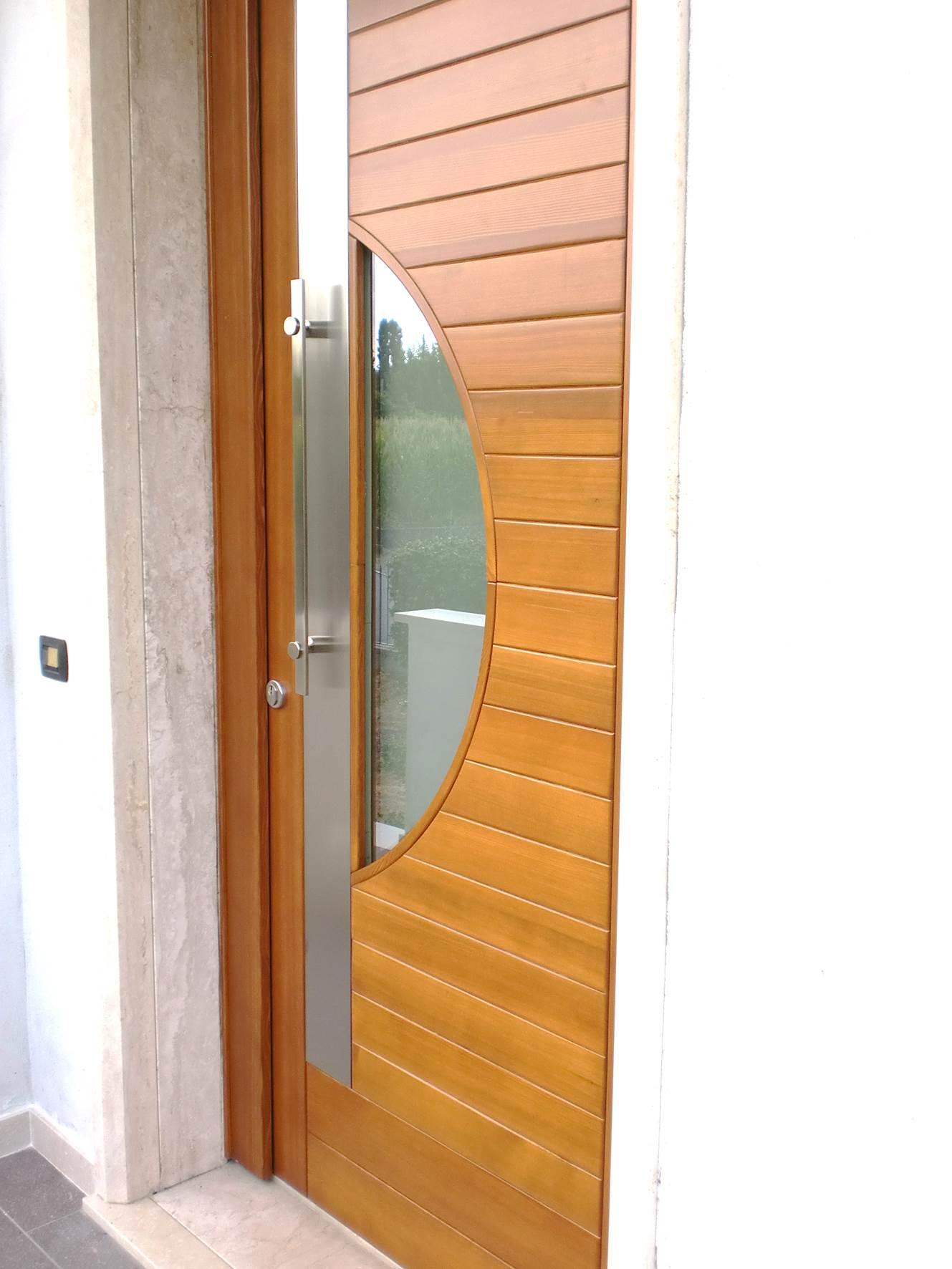 Realizzazioni porte e portoni d 39 ingresso rivas - Maniglie porte ingresso ...