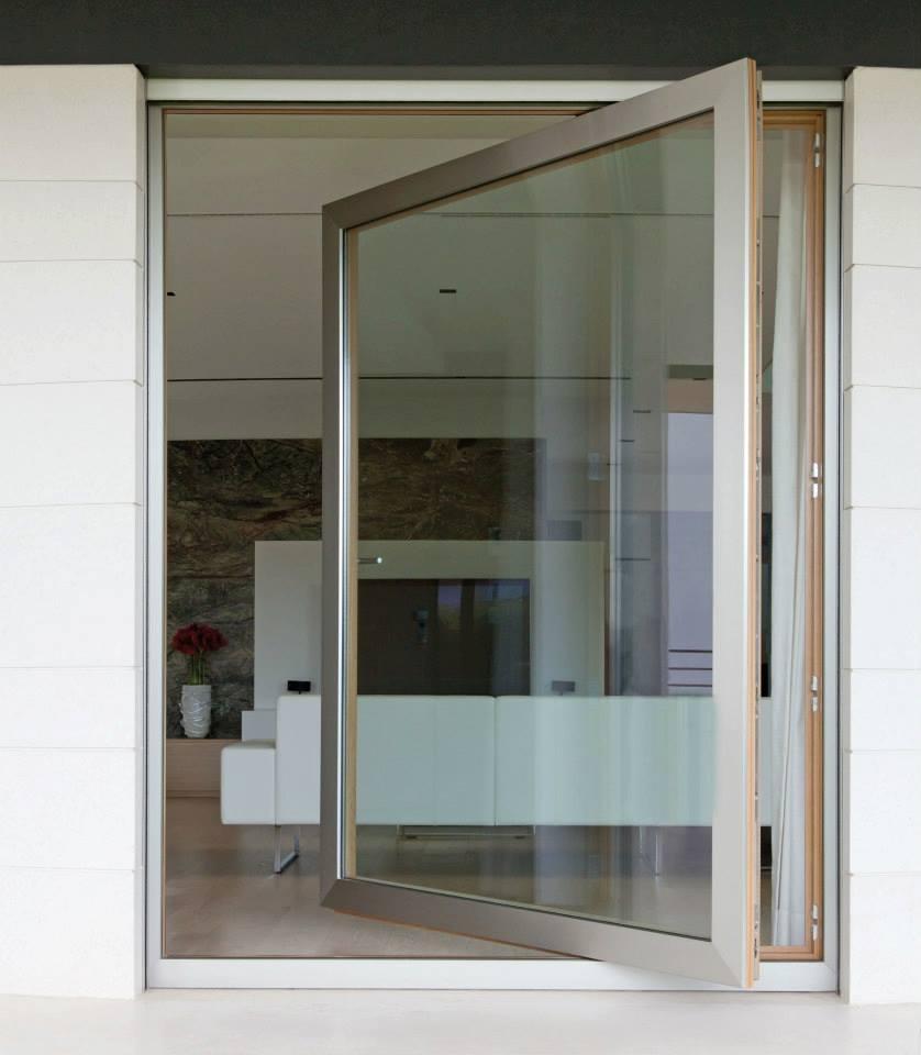 Finestre speciali finestre ad arco finestre a bilico for Finestre a bilico verticale