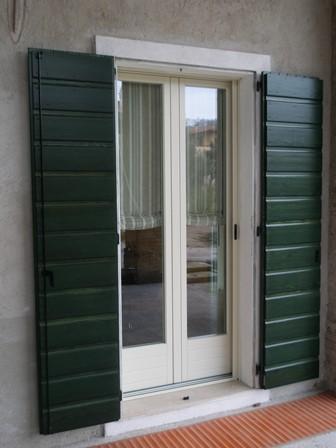 Una romantica corte rivas artigianato e design del legno - Laccatura porte interne ...